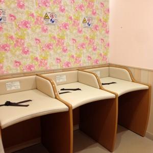 教室隣にはオムツ替えルーム完備